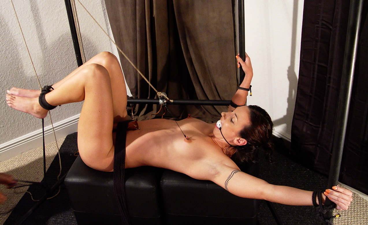 Women in bondage predicaments